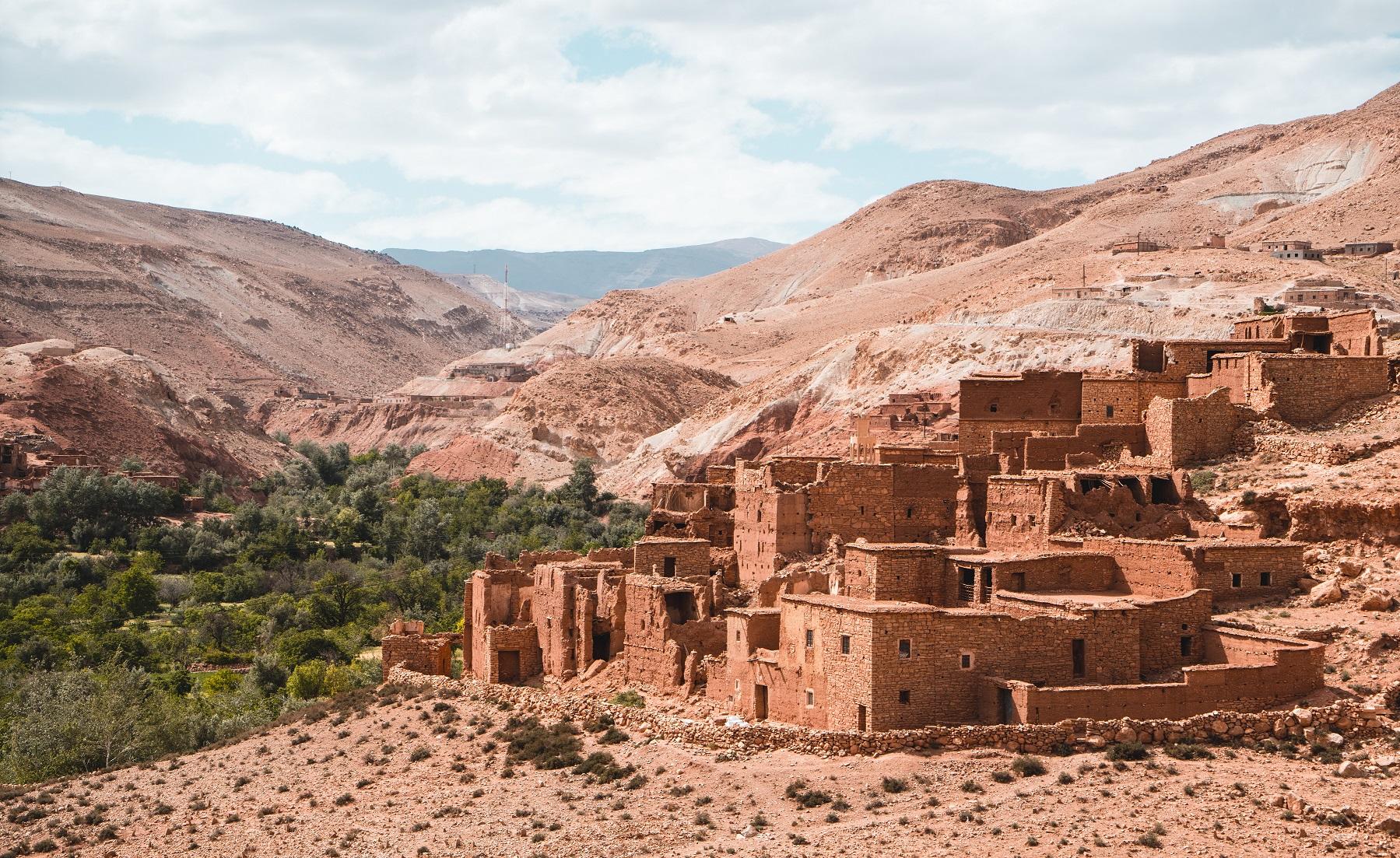 7 Pueblos Abandonados En España Que Te Sorprenderán Housfy