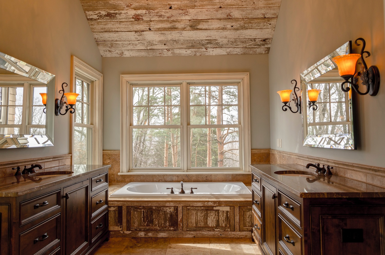 Reforma un baño con un estilo rústico