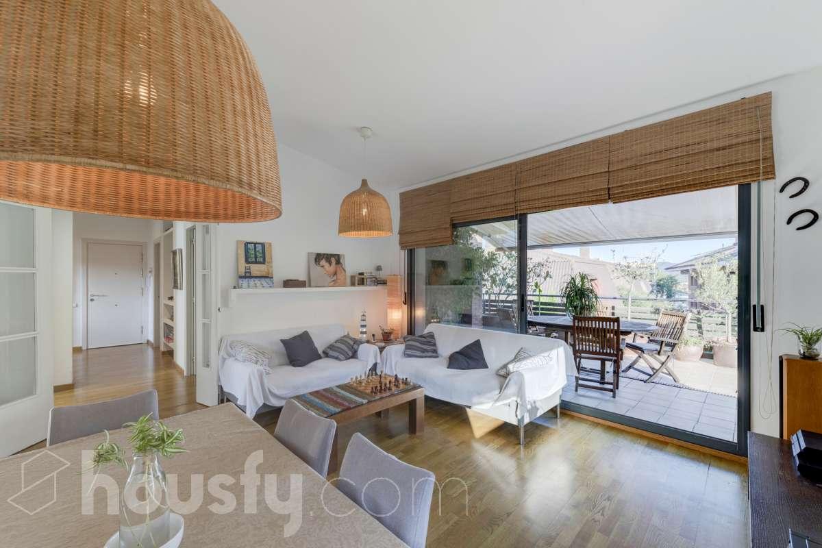 Magnífico piso con terraza