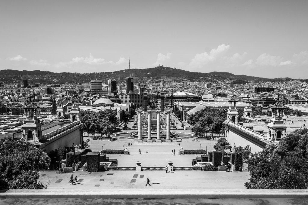 Urge vender piso Barcelona